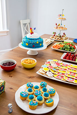 Birthday Party - p535m1017380 by Michelle Gibson