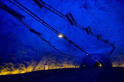 Tunnel - p1003m736078 by Terje Rakke