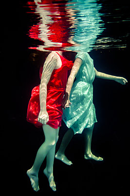 Sisters Underwater  - p1019m2100549 by Stephen Carroll