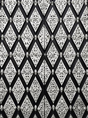 Ornamented gate, mussel pattern - p1598m2164154 by zweiff Florian Bier