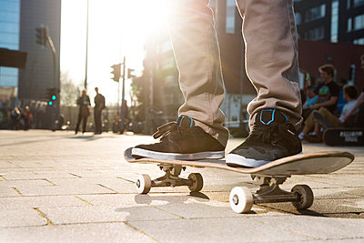 Skateboarder - p608m901233 by Jens Nieth