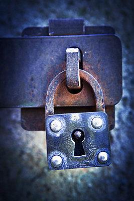 Old padlock - p1149m1572914 by Yvonne Röder