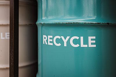 Recycling bin - p1166m2111743 by Cavan Images