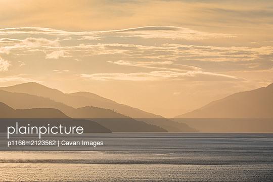 p1166m2123562 von Cavan Images