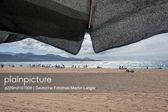 p229m2107308 by Martin Langer
