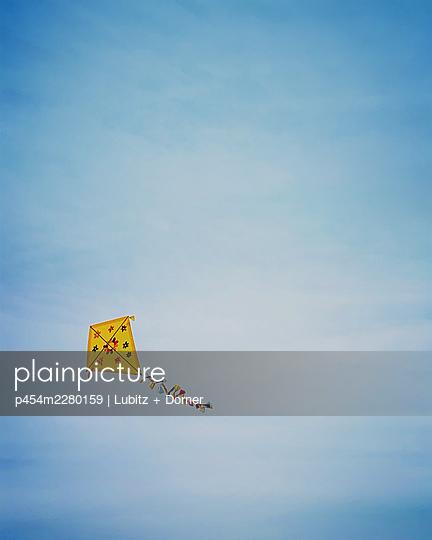 Autumn is in the air - p454m2280159 by Lubitz + Dorner
