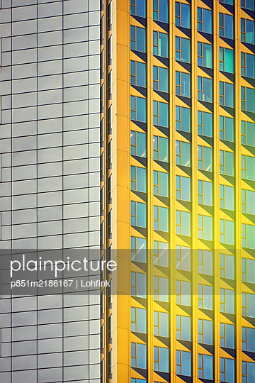Germany, Frankfurt, Office building - p851m2186167 by Lohfink