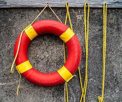 Life buoy, close-up - p1082m2288031 by Daniel Allan