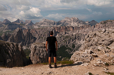 Hiking in the Dolomites - p470m2064959 by Ingrid Michel