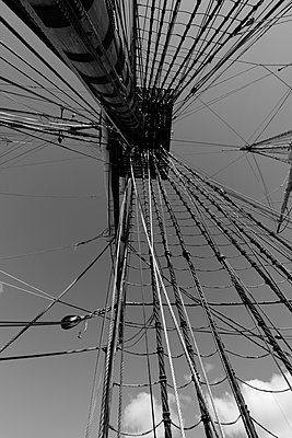Mast and rigging of a tall ship sen from below - p1072m1056687 by KuS
