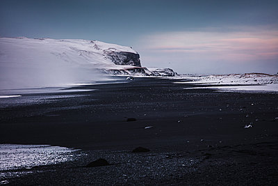 Reynisfjara Black Sand Beach. Vik. Iceland. North Atlantic Ocean - p1403m2294636 by Daniele Orsi/REDA&CO