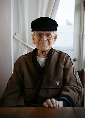 Elderly man - p1158m966393 by Patricia Niven