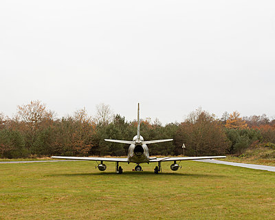 Jet fighter - p1214m1116223 by Janusz Beck