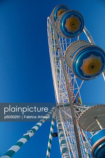 Oldfashioned wonderwheel - p5030291 by Fabrice Arfaras