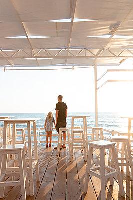 Restaurant deck at the General's Beach in Albania - p454m2176604 by Lubitz + Dorner
