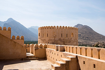 Middle East, Oman.  The ramparts of  Al Nakhal Fort - p652m1576204 by John Warburton-Lee