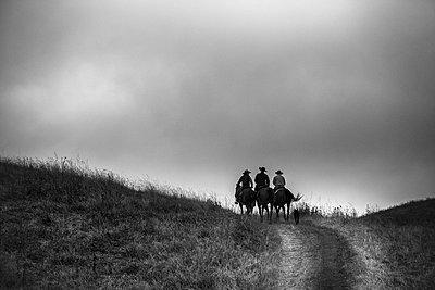 Cowboys - p1290m1111080 by Fabien Courtitarat