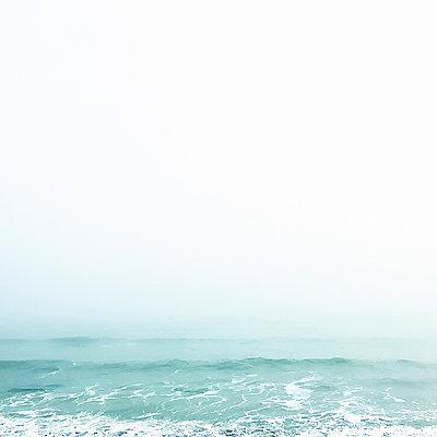 Waves on misty day - p924m2018598 by Rehulian Yevhen
