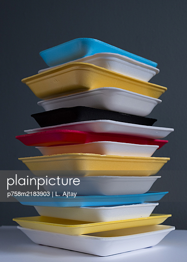 Plastic waste, stack of meat trays - p758m2183903 by L. Ajtay