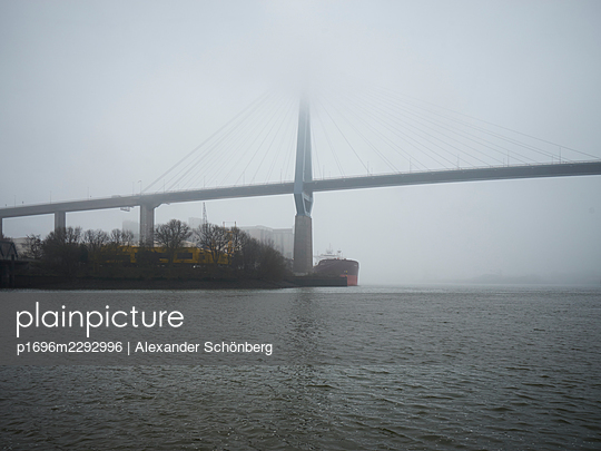 Köhlbrandbrücke - p1696m2292996 by Alexander Schönberg