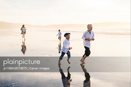 p1166m2073870 von Cavan Images