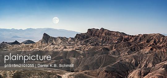 Außerirdisch wirkende Landschaft im Death Valley - p1515m2101055 von Daniel K.B. Schmidt
