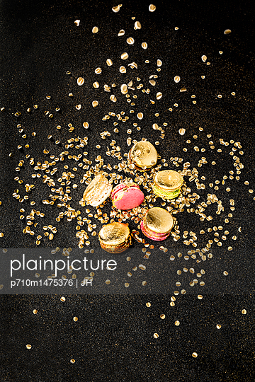 Macaroons and confetti - p710m1475376 by JH