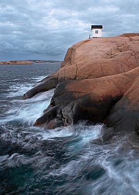 Little house on rocks - p312m1210884 by Stefan Isaksson