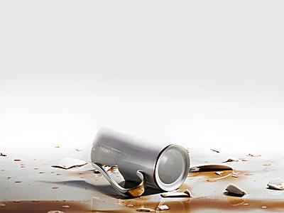 Broken Coffeepot - p851m777839 by Lohfink