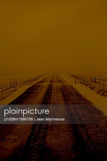 Road - p1028m1586799 von Jean Marmeisse