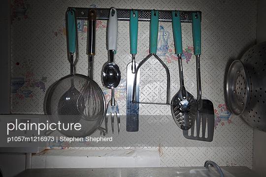 Küchenutensilien  - p1057m1216973 von Stephen Shepherd