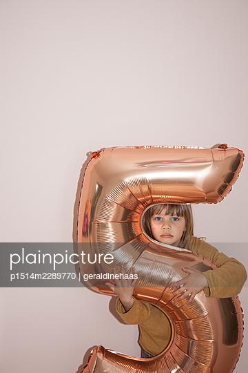 Fifth birthday - p1514m2289770 by geraldinehaas