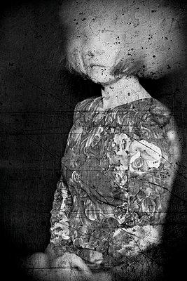 Blind memories - p1543m2260597 by Sophia Snadli