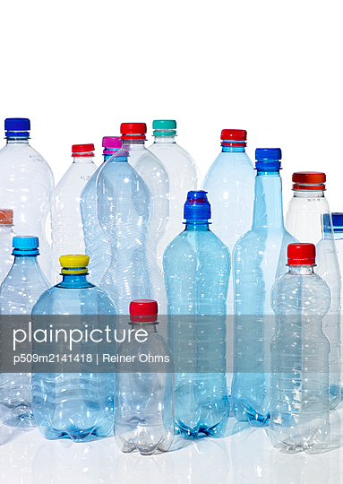 Disposable bottles - p509m2141418 by Reiner Ohms
