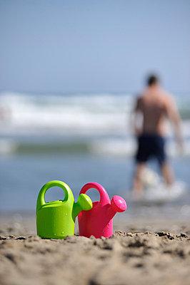 Strandspielzeug - p8290197 von Régis Domergue