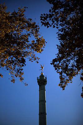 The July Column, Place de la Bastille, Paris - p1028m2020630 von Jean Marmeisse