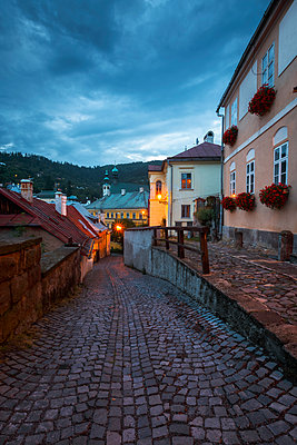 Street in the old town of Banska Stiavnica in central Slovakia. - p1166m2107101 by Cavan Images