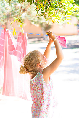 Pink housework - p454m2163879 by Lubitz + Dorner