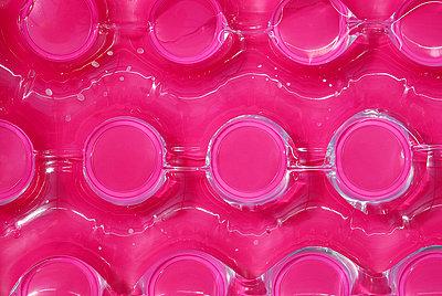 Aufblasbares Wasserspielzeug - p567m667644 von AURELIAJAEGER
