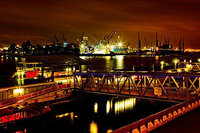 Hamburger Hafen - p1078m831078 von Frauke Thielking