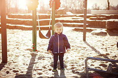 Germany, Oberhausen, toddler on playground - p300m1019153f by Gabi Dilly