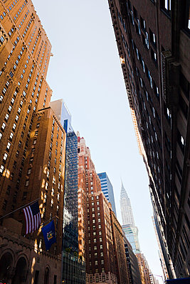 Low angle view of New York City skyscrapers - p312m1076080f by Plattform