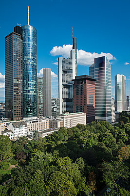 Financial District - p227m1074247 by Uwe Nölke