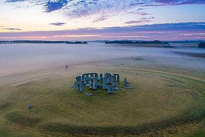 Stonehenge, Salisbury Plain, Wiltshire, England - p651m2135783 by Gavin Hellier