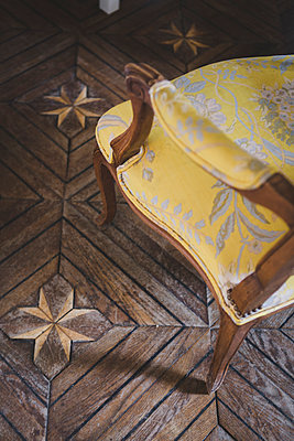 Yellow Armchair - p1150m1515030 by Elise Ortiou Campion
