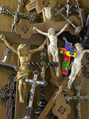 Kruzifixe - p509m763073 von Reiner Ohms