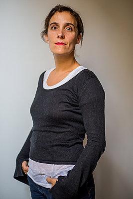 A free woman - p940m1110716 by Bénédite Topuz