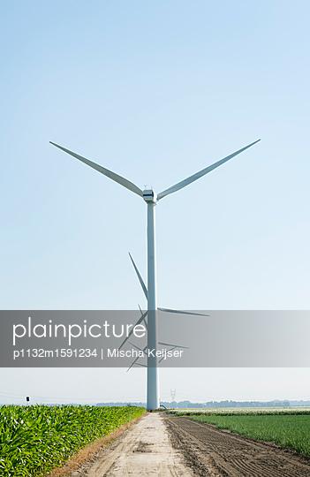 Windfarm flevopolder - p1132m1591234 by Mischa Keijser