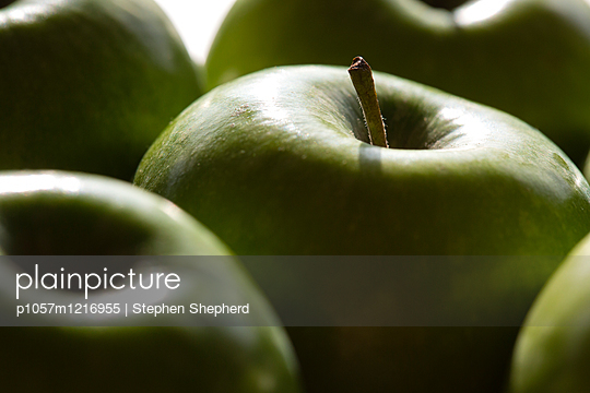 Grüne Äpfel Nahaufnahme - p1057m1216955 von Stephen Shepherd