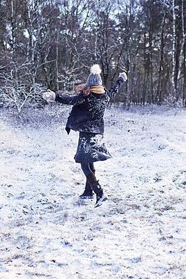 Winterfreude - p1348m1516806 von HANDKE + NEU